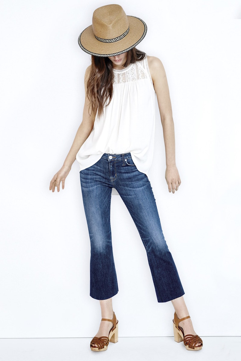 blue-med-crop-jeans-white-top-hat-spring-summer-hairr-cognac-shoe-sandalh-weekend.jpg