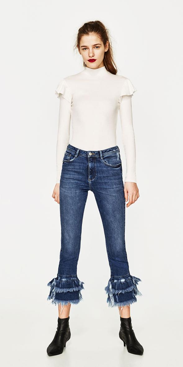 blue-med-crop-jeans-fray-white-sweater-turtleneck-pony-fall-winter-hairr-black-shoe-booties-dinner.jpg