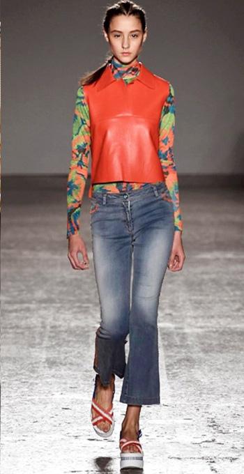 blue-med-crop-jeans-orange-top-blouse-orange-vest-shell-orange-shoe-sandalw-slides-braid-runway-wear-fashion-style-spring-summer-hairr-lunch.jpg