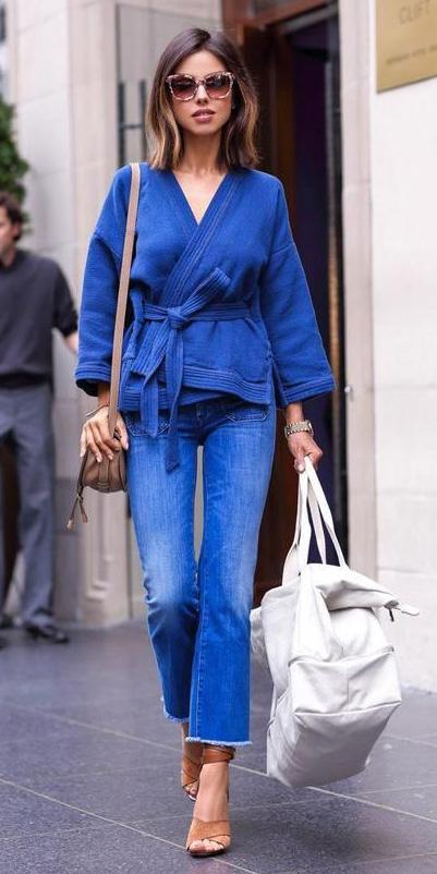blue-med-crop-jeans-blue-med-cardigan-tan-bag-cognac-shoe-sandalh-brun-lob-sun-spring-summer-lunch.jpg