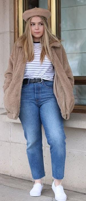 blue-med-crop-jeans-white-tee-stripe-belt-tan-jacket-coat-fur-blonde-hat-beret-white-shoe-sneakers-fall-winter-weekend.jpg
