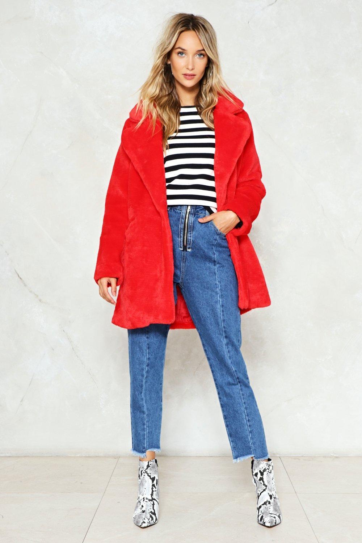 blue-med-crop-jeans-black-tee-stripe-white-shoe-booties-snakeskin-hoops-red-jacket-coat-fur-fuzz-fall-winter-blonde-lunch.jpg