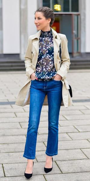 blue-med-crop-jeans-blue-navy-top-blouse-print-sheer-tan-jacket-coat-trench-braid-spring-summer-hairr-lunch.jpg
