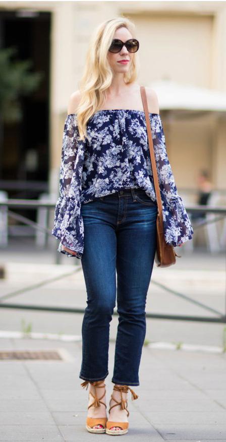 blue-navy-crop-jeans-blue-navy-top-blouse-cognac-shoe-sandalw-espadrilles-cognac-bag-sun-wear-fashion-style-spring-summer-wedge-offshoulder-blonde-lunch.jpg