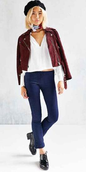 blue-navy-crop-jeans-white-top-blouse-burgundy-jacket-moto-burgundy-scarf-neck-hat-beret-black-shoe-brogues-wear-fashion-style-fall-winter-blonde-lunch.jpg