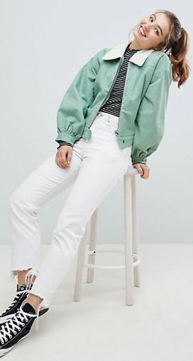 white-crop-jeans-black-tee-stripe-green-light-jacket-bomber-hairr-pony-black-shoe-sneakers-spring-summer-weekend.jpg
