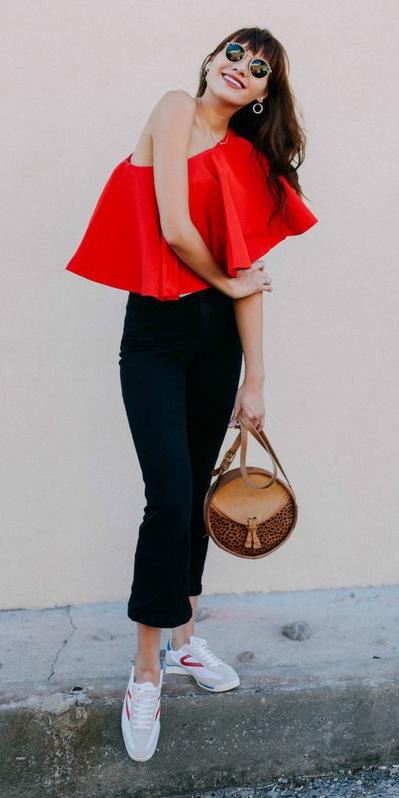 red-top-offshoulder-hairr-sun-tan-bag-black-crop-jeans-white-shoe-sneakers-spring-summer-weekend.jpg