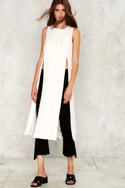black-crop-jeans-white-top-tunic-black-shoe-sandals-brun-spring-summer-weekend.jpg