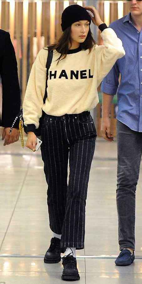 black-crop-jeans-tan-sweater-sweatshirt-beanie-brun-bellahadid-socks-black-shoe-booties-fall-winter-weekend-graphic.jpg