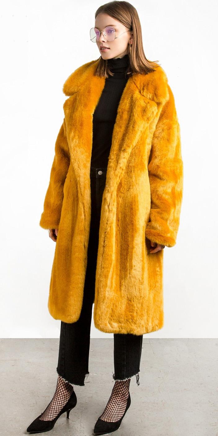 black-crop-jeans-black-top-blouse-hairr-yellow-jacket-coat-fishnets-black-shoe-pumps-fall-winter-lunch.jpg