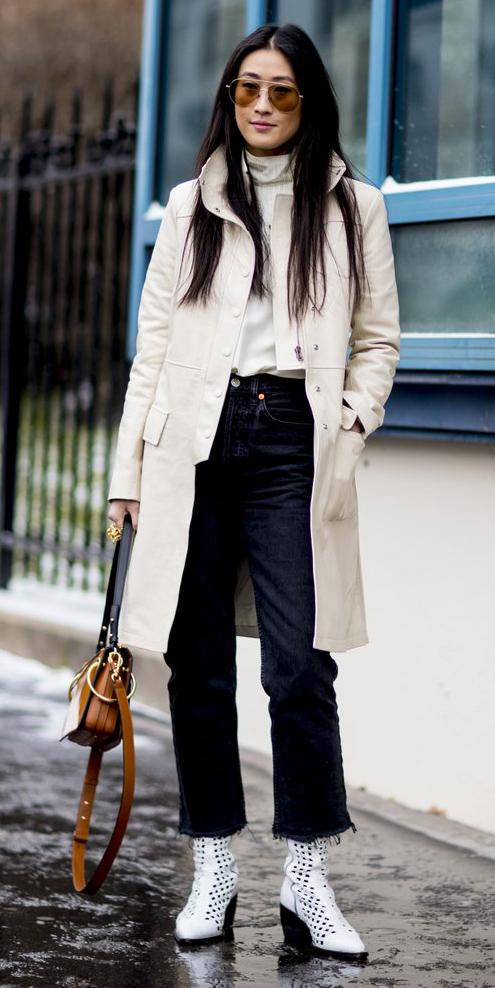 how-to-style-black-crop-jeans-white-tee-turtleneck-brun-sun-white-jacket-coat-cognac-bag-fall-winter-fashion-weekend.jpg