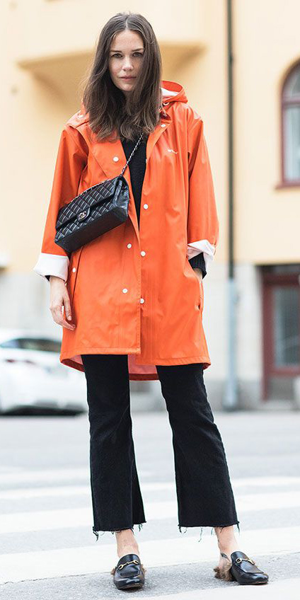 black-crop-jeans-black-bag-black-shoe-loafers-hairr-orange-jacket-coat-parka-fall-winter-outfit-weekend.jpg