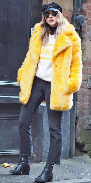 black-crop-jeans-white-sweater-blonde-sun-hat-black-shoe-booties-yellow-jacket-coat-fur-fall-winter-weekend.jpg