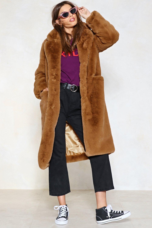 black-crop-jeans-purple-royal-graphic-tee-belt-black-shoe-sneakers-camel-jacket-coat-fur-hairr-sun-fall-winter-weekend.jpg