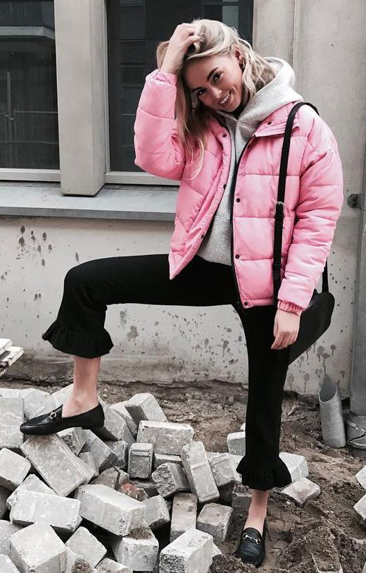 black-crop-jeans-black-shoe-loafers-slide-grayl-sweater-sweatshirt-hoodie-pink-light-jacket-coat-puffer-fall-winter-weekend.jpg