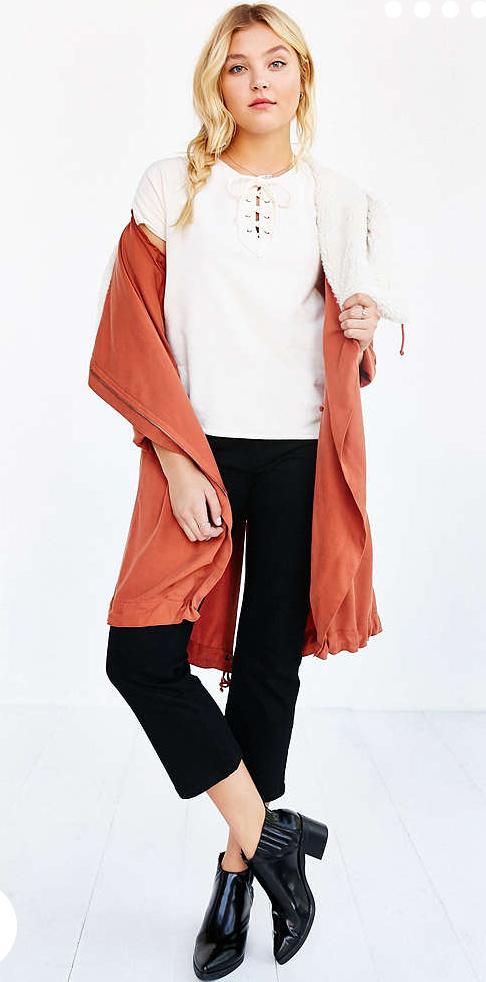 black-crop-jeans-white-tee-braid-orange-jacket-coat-black-shoe-booties-wear-fashion-style-fall-winter-blonde-lunch.jpg