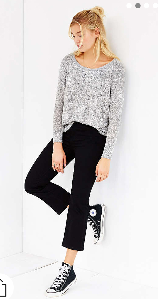 black-crop-jeans-grayl-tee-black-shoe-sneakers-blonde-howtowear-fashion-style-fall-winter-weekend.jpg