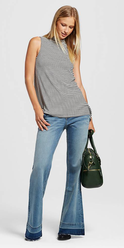 blue-light-flare-jeans-black-top-stripe-sleeveless-black-shoe-booties-green-bag-wear-fashion-style-fall-winter-blonde-lunch.jpg