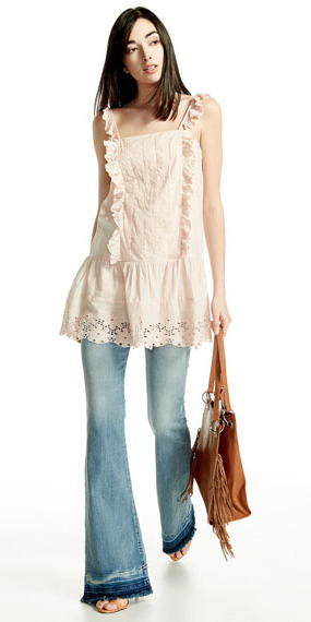 blue-light-flare-jeans-white-cami-tunic-ruffle-cognac-bag-spring-summer-brun-weekend.jpg