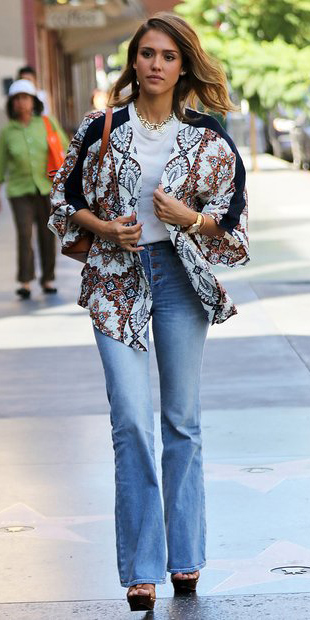blue-light-flare-jeans-white-tee-camel-cardigan-print-cognac-shoe-sandalw-cognac-bag-necklace-wear-fashion-style-fall-winter-platforms-celebrity-jessicaalba-hairr-lunch.jpg