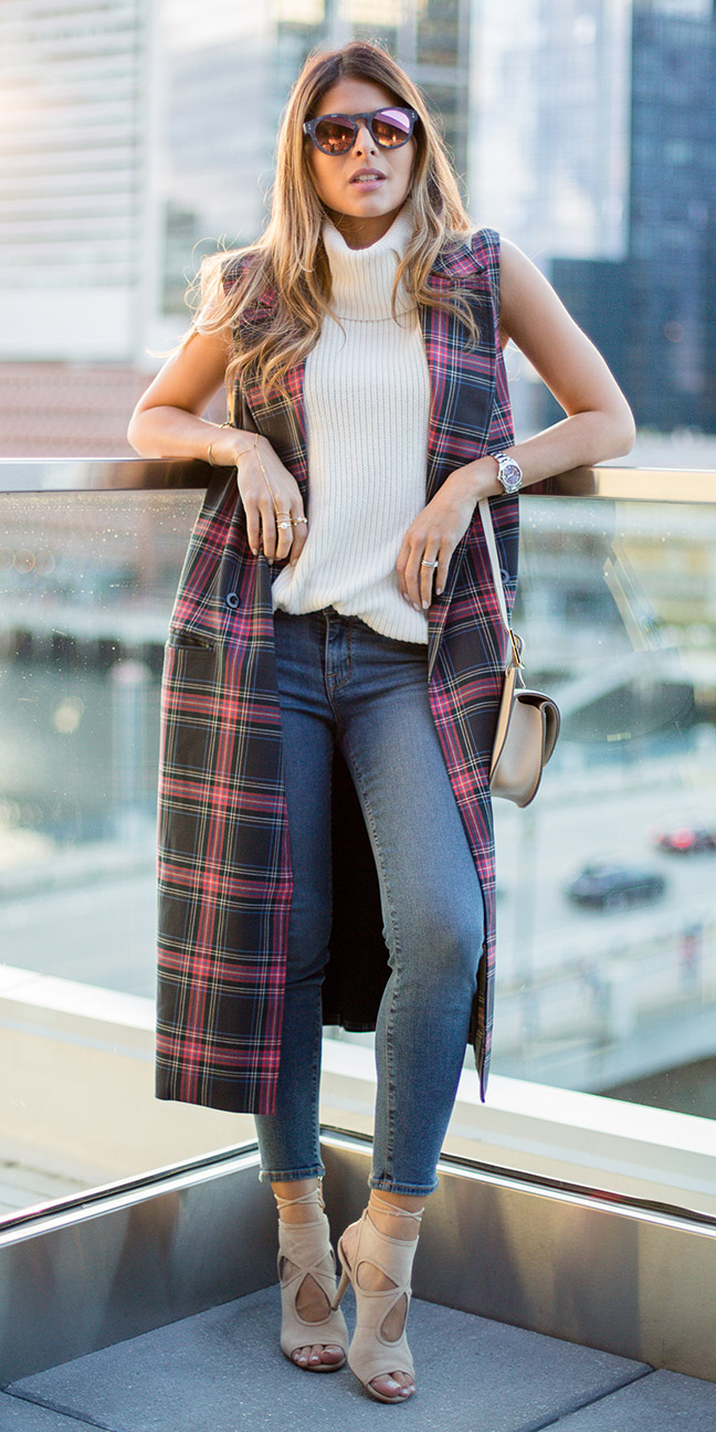 blue-navy-skinny-jeans-white-sweater-sleeveless-burgundy-vest-tailor-plaid-print-blonde-sun-tan-shoe-sandalh-tan-bag-fall-winter-lunch.jpg
