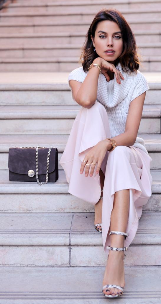pink-light-culottes-pants-white-sweater-sleeveless-brun-lob-watch-white-shoe-sandalh-spring-summer-work.jpg