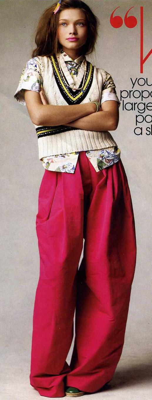 pink-magenta-wideleg-pants-white-top-blouse-white-sweater-sleeveless-vest-clip-green-shoe-booties-spring-summer-hairr-lunch.jpg