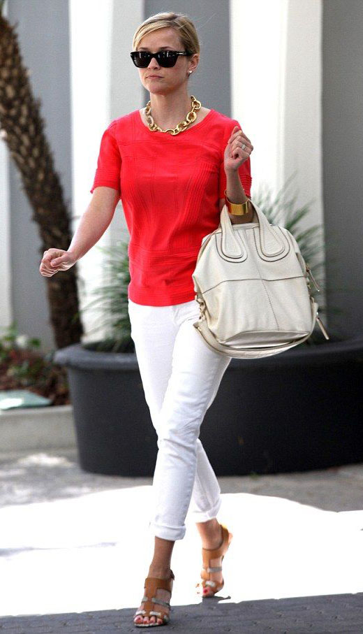 white-skinny-jeans-red-top-chain-necklace-white-bag-sun-cognac-shoe-sandalh-reesewitherspoon-howtowear-style-spring-summer-blonde-work.jpg