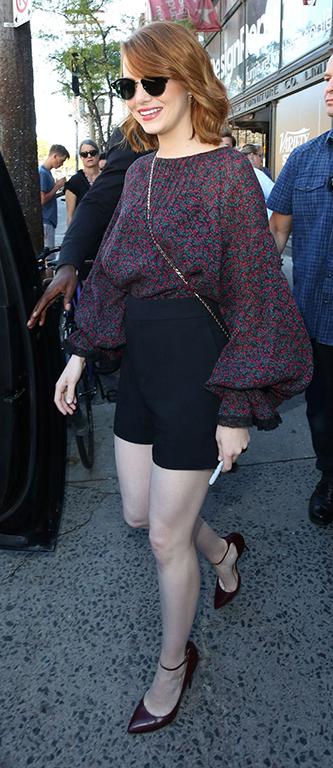 black-shorts-r-burgundy-top-bellsleeve-burgundy-shoe-pumps-sun-canada-howtowear-fashion-style-outfit-spring-summer-emmastone-hairr-dinner.jpg