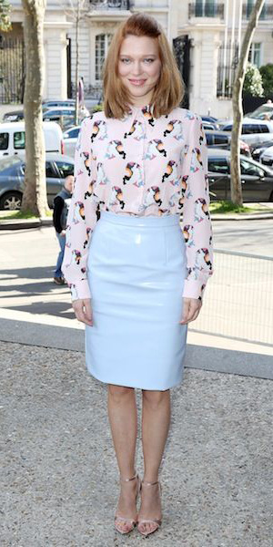 blue-light-pencil-skirt-pastel-pink-light-top-blouse-print-spring-summer-hairr-work.jpg