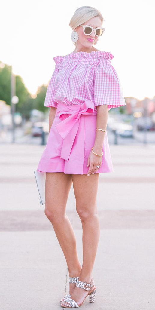 pink-light-shorts-pink-light-top-blouse-gingham-print-blonde-white-shoe-sandalh-earrings-sun-spring-summer-lunch.jpg