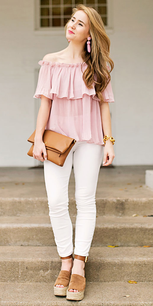 white-skinny-jeans-pink-light-top-offshoulder-cognac-bag-clutch-cognac-shoe-sandalw-earrings-hairr-spring-summer-lunch.jpg