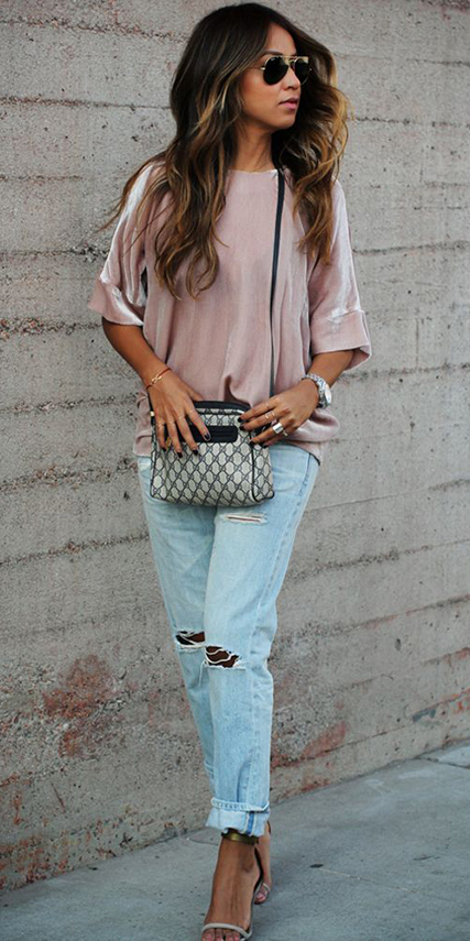 blue-light-boyfriend-jeans-pink-light-top-velvet-tan-shoe-sandalh-sun-howtowear-fashion-style-outfit-spring-summer-hairr-lunch.jpg