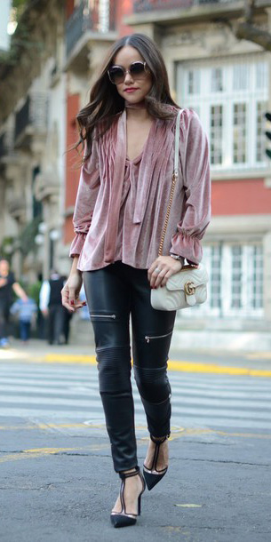 black-skinny-jeans-leather-leggings-pink-light-top-blouse-peasant-velvet-sun-hair-white-bag-black-shoe-pumps-fall-winter-dinner.jpg