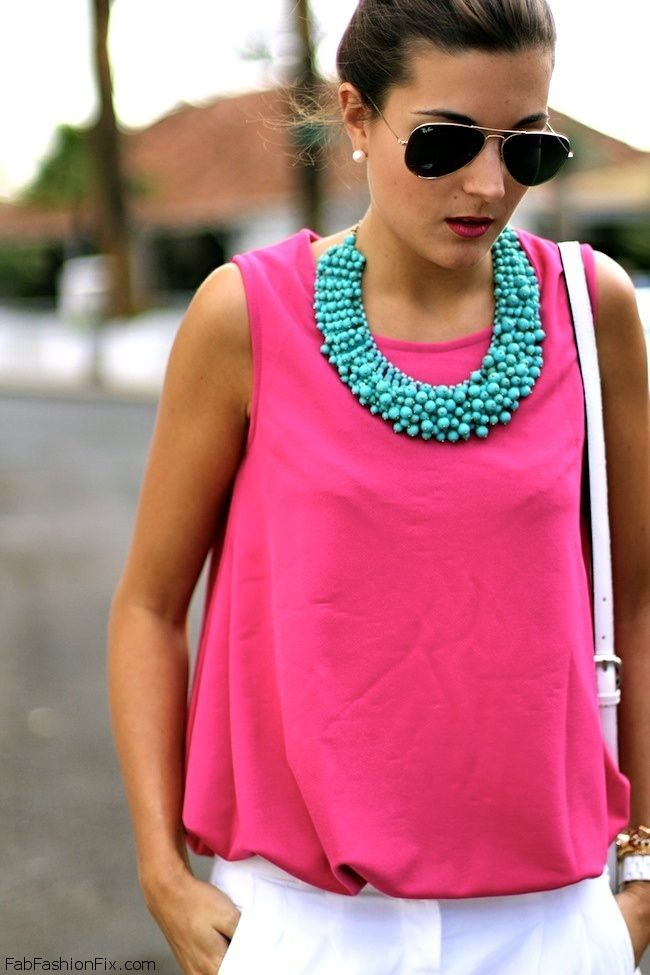white-slim-pants-r-pink-magenta-top-pearl-studs-sun-bun-turquoise-necklace-howtowear-fashion-style-outfit-spring-summer-brun-lunch.jpg