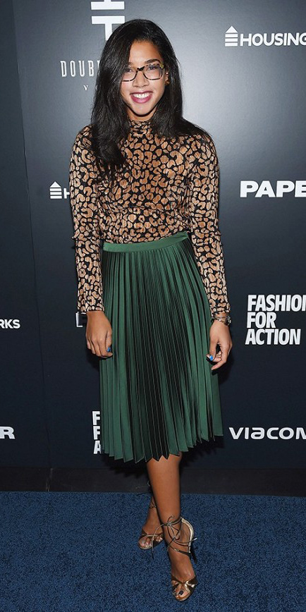 green-emerald-midi-skirt-tan-top-print-pleat-brun-tan-shoe-sandalh-howtowear-fashion-style-outfit-fall-winter-holiday-dinner.jpg
