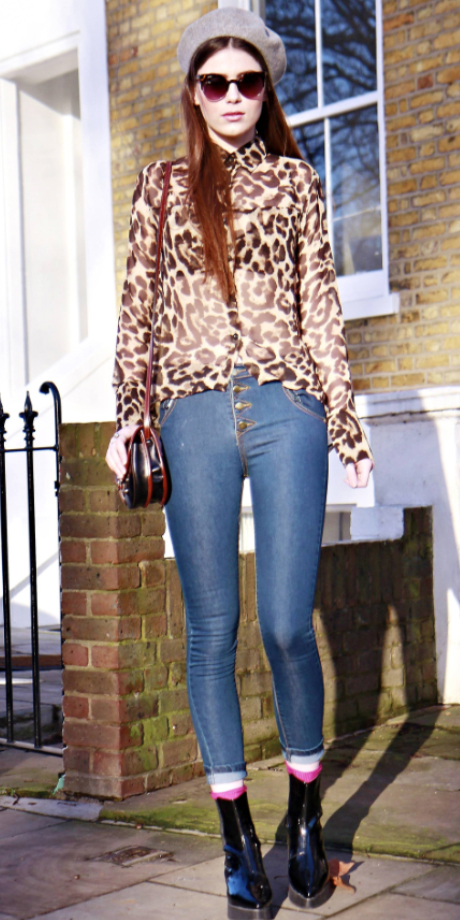 blue-med-skinny-jeans-o-tan-top-blouse-black-bag-black-shoe-booties-sun-socks-howtowear-style-fashion-fall-winter-leopard-beanie-hairr-dinner.jpg