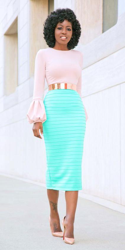green-light-pencil-skirt-peach-top-tan-shoe-pumps-brun-spring-summer-dinner.jpg