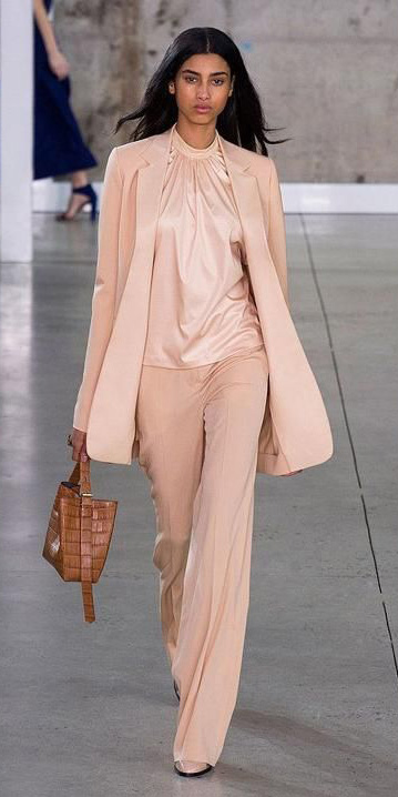 o-peach-wideleg-pants-peach-top-blouse-peach-jacket-blazer-cognac-bag-howtowear-fashion-style-outfit-spring-summer-mono-silk-office-brun-work.jpg