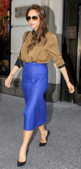 purple-royal-midi-skirt-camel-top-blouse-key-dramatic-style-type-black-shoe-pumps-streetstyle-fashion-victoriabeckham-brun-fall-winter-work.jpg