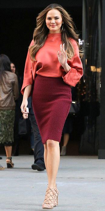 burgundy-pencil-skirt-orange-top-blouse-tan-shoe-sandalh-hairr-spring-summer-dinner.jpg
