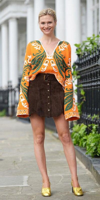 brown-mini-skirt-suede-orange-top-blouse-peasant-bun-spring-summer-blonde-lunch.jpg