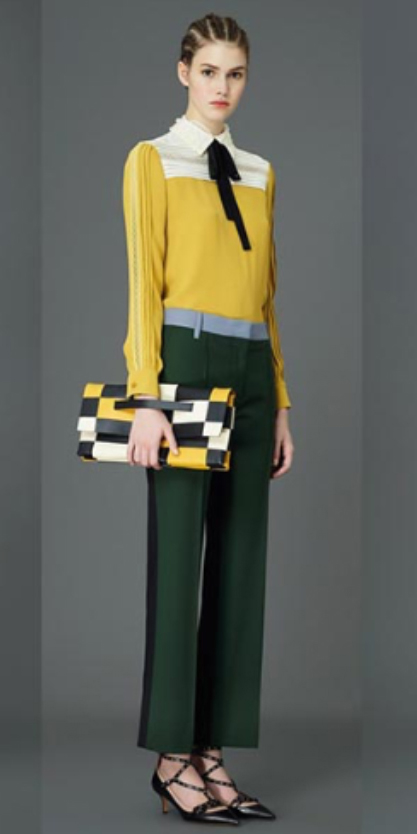 green-dark-wideleg-pants-yellow-top-blouse-bow-yellow-bag-clutch-black-shoe-pumps-bun-howtowear-style-fashion-fall-winter-hairr-colorblock-lunch.jpg