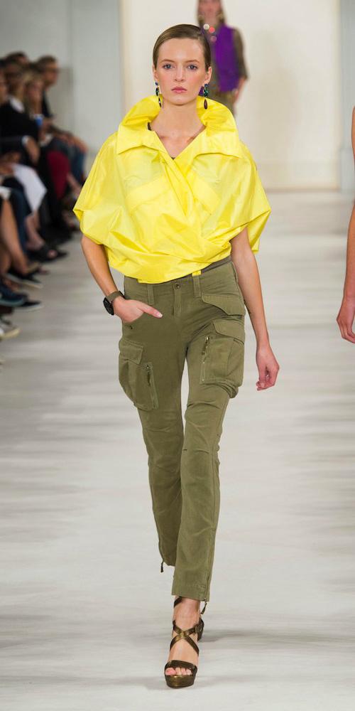 green-olive-skinny-jeans-yellow-top-green-shoe-sandalw-bun-earrings-ralphlauren-howtowear-style-fashion-spring-summer-runway-blonde-lunch.jpg