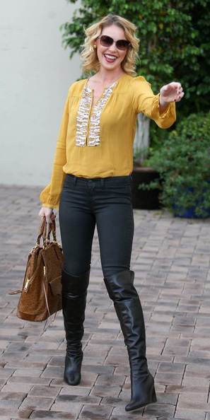 black-skinny-jeans-yellow-top-blouse-peasant-cognac-bag-black-shoe-boots-sun-howtowear-fashion-style-outfit-blonde-fall-winter-lunch.jpg
