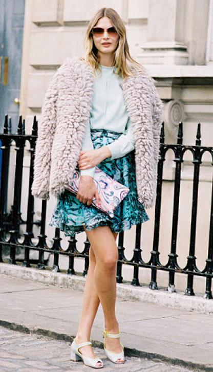 blue-med-mini-skirt-green-light-top-blouse-pink-light-jacket-coat-fur-fuzz-white-shoe-sandals-pink-bag-clutch-print-sun-howtowear-fashion-style-outfit-spring-summer-blonde-lunch.jpg