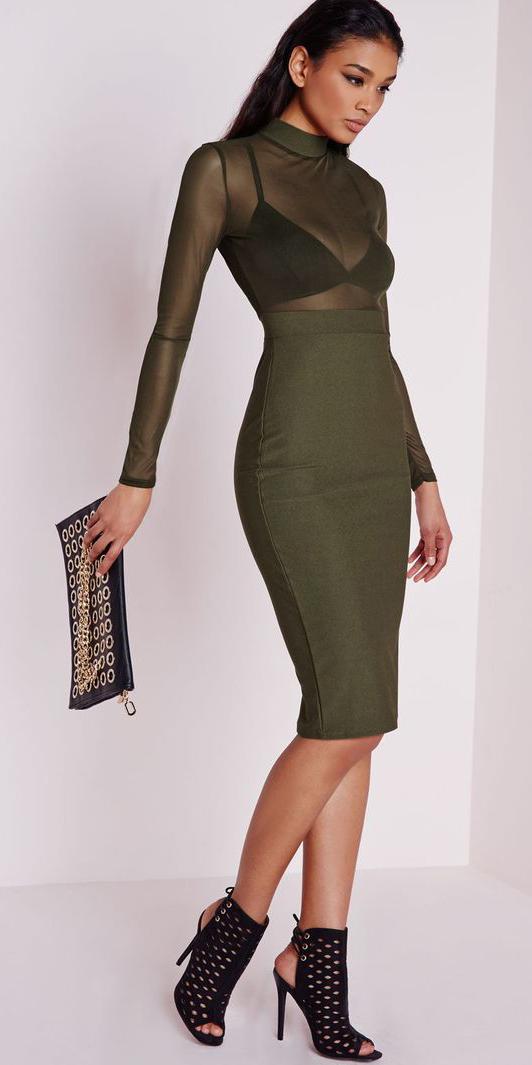 green-olive-pencil-skirt-green-olive-top-howtowear-fashion-style-outfit-fall-winter-seethrough-black-bralette-peeptoe-black-shoe-sandalh-mono-black-bag-clutch-brun-dinner.jpg