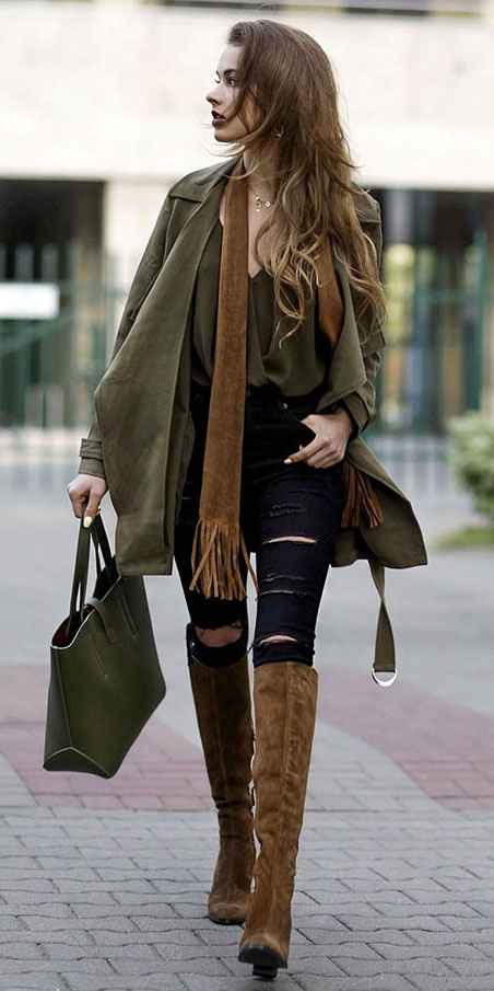 black-skinny-jean-green-olive-top-blouse-green-olive-jacket-coat-trench-green-bag-camel-scarf-cognac-shoe-boots-hairr-fall-lunch.jpg