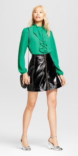 black-mini-skirt-leather-green-emerald-top-blouse-blonde-gray-shoe-pumps-silver-fall-winter-dinner.jpg
