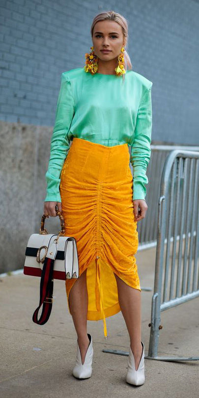yellow-midi-skirt-green-emerald-top-blouse-earrings-blonde-pony-white-bag-white-shoe-pumps-spring-summer-dinner.jpg